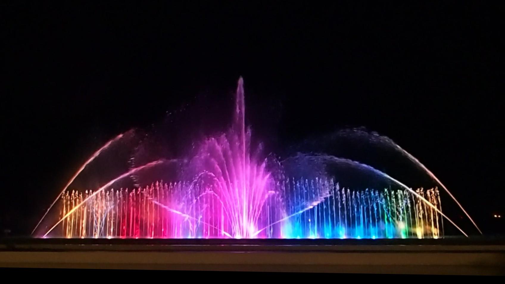 【噴水ショー】ホテル三日月・富士見亭 音楽噴水ショー テーマソング篇(千葉県)