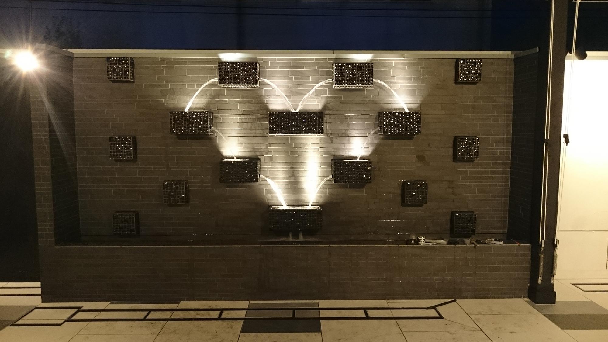 【水景施設】ヒルズマーキュリー 中庭ステップフォール水景設備 設計・施工(埼玉県)