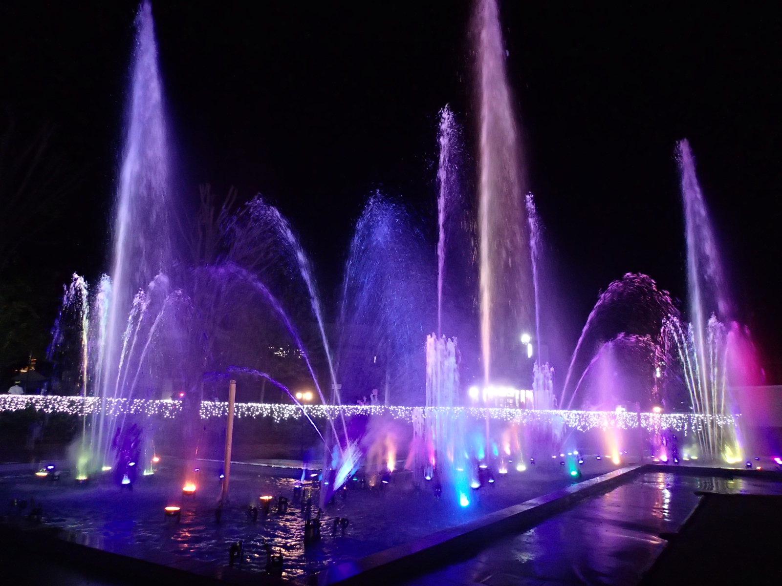 【噴水ショー】きぬ川ホテル三日月 踊る噴水「Dancing Watater」噴水ショー(栃木県)
