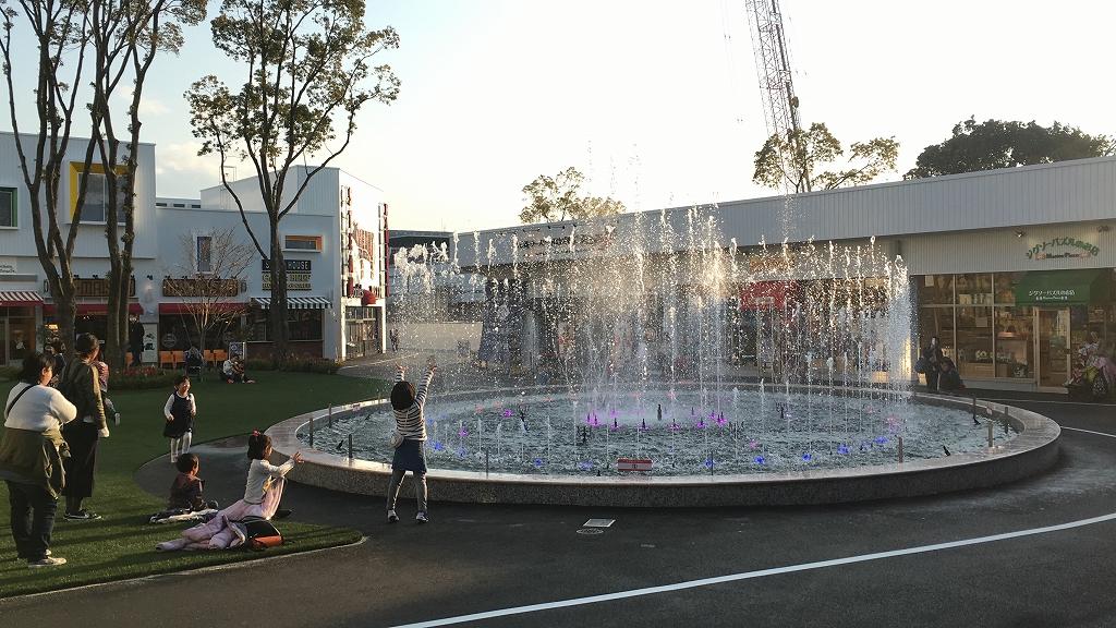 【噴水ショー】Maker's Pier(メイカーズピア) 音楽噴水ショー(愛知県)