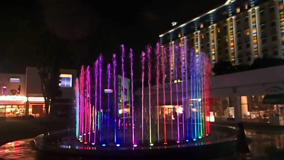 【噴水ショー】名古屋 メイカーズピアの音楽噴水ショーに新曲を追加致しました